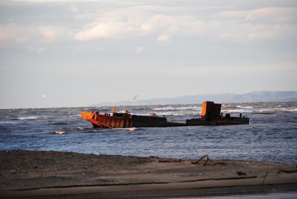 Неспокойно осеннее море...
