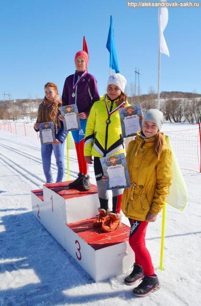 28 марта на городском стадионе были проведены лыжные гонки по случаю закрытия зимнего сезона