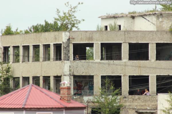 Стройплощадки и заброшенные здания – не место для детских игр и развлечений!