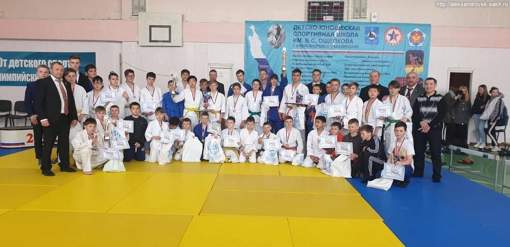 В Александровске-Сахалинском назвали победителей областного турнира по дзюдо