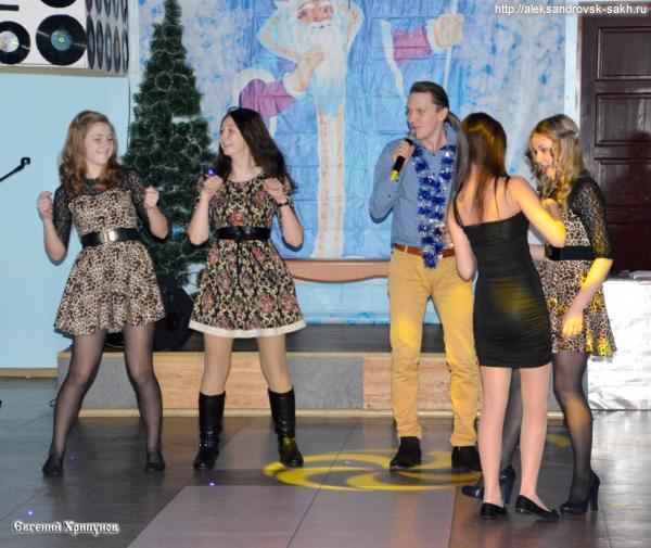 С Рождественского бала для одаренных детей и молодежи