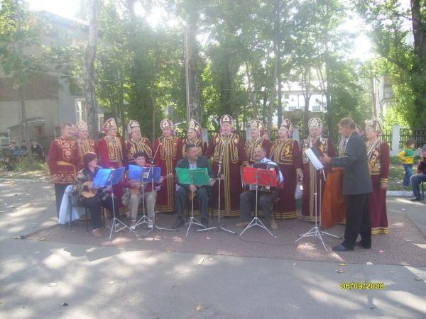 """Хор """"Александровские самоцветы"""" на празднике День города"""