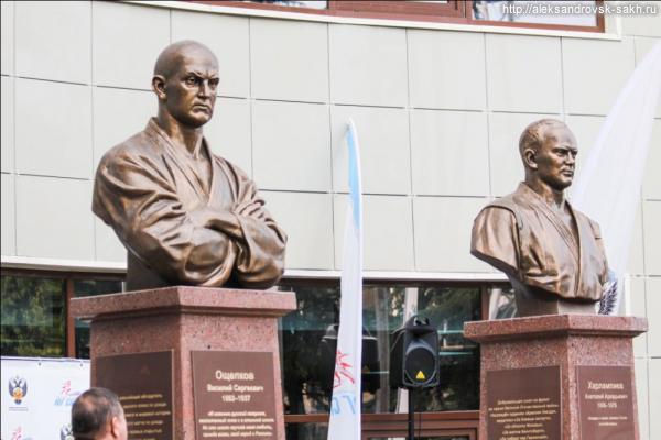 Новый памятник александровцу Ощепкову В.С.